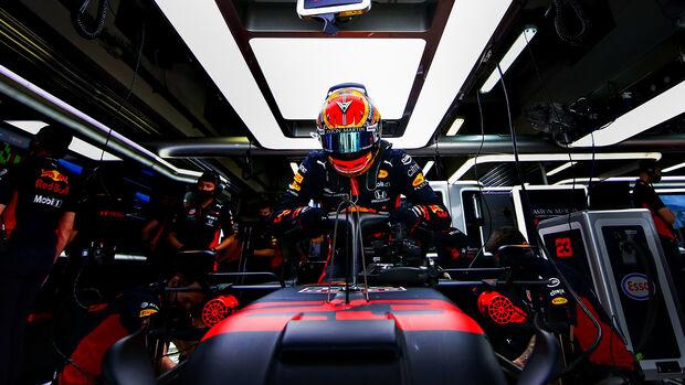 Alexander Albon - Red Bull - Formel 1 - GP Russland - Sotschi - 26. September 2020