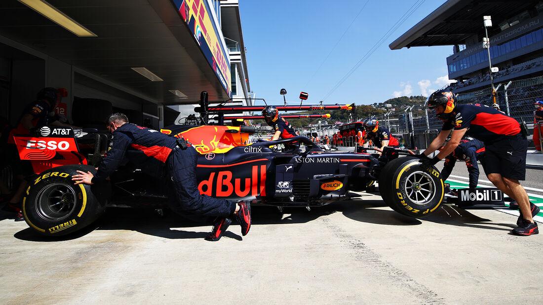 [Imagen: Alexander-Albon-Red-Bull-GP-Russland-Sot...726712.jpg]