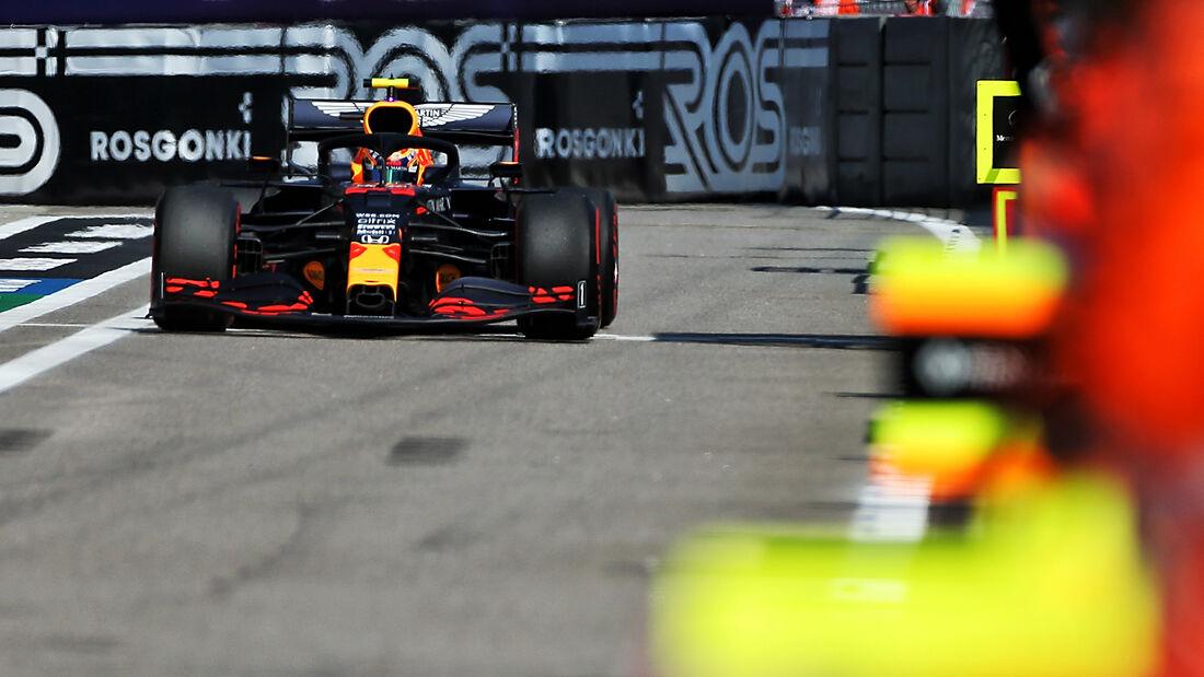 [Imagen: Alexander-Albon-Red-Bull-GP-Russland-Sot...726723.jpg]