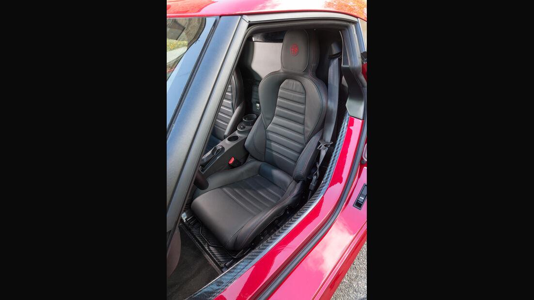 Alfa 4C, Fahrersitz