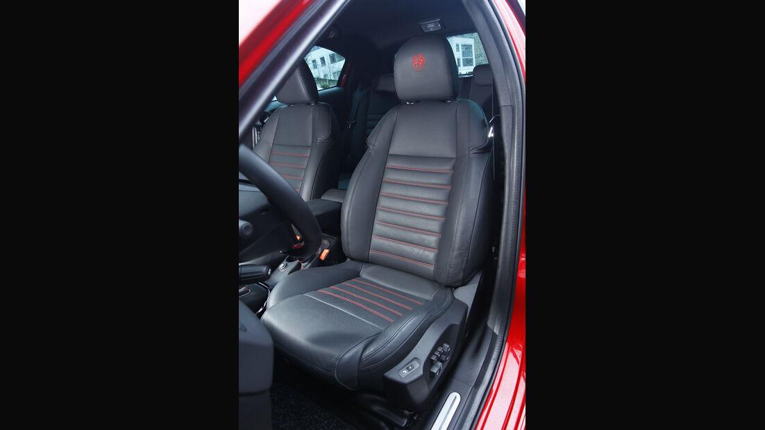 Alfa Guilietta 1.8 TBi 16V Quadrifoglio Verde Sitze