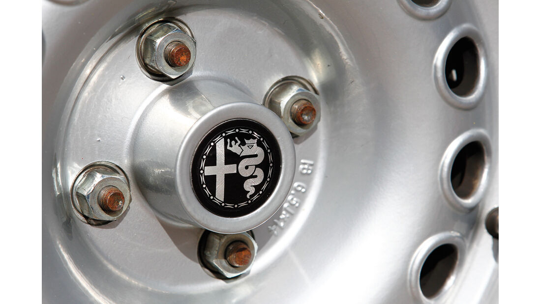 Alfa Roemeo 1300 GT Junior, Felge, Emblem