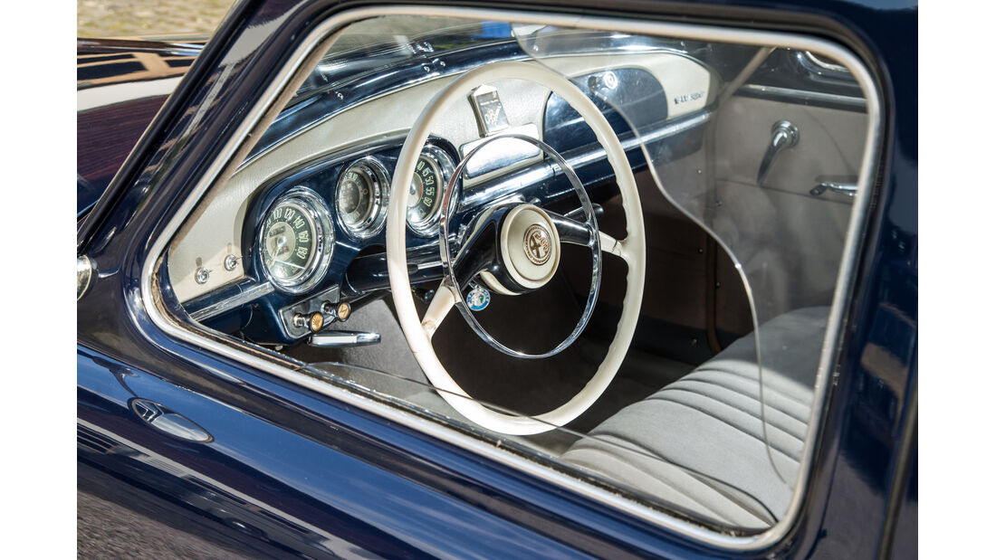 Alfa Romeo 1900, Cockpit, Lenkrad