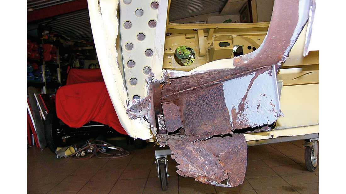 Alfa Romeo 1900 Sprint Coupé Pinin Farina, Blecharbeiten