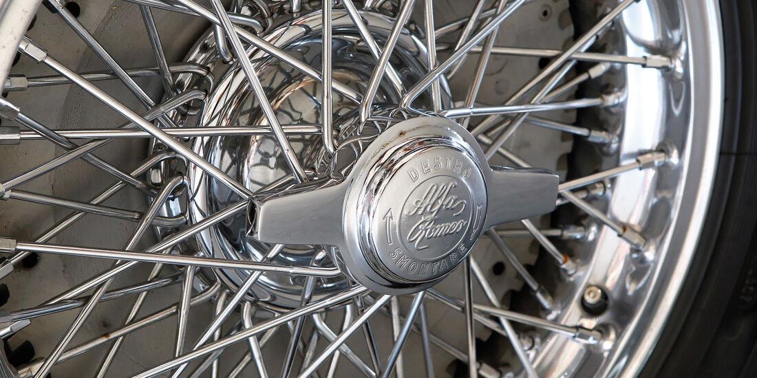 Alfa Romeo 1900 Sprint Coupé Pinin Farina, Speichenrad