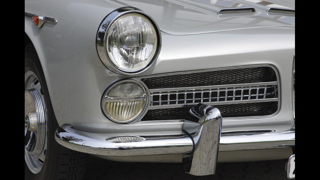 Alfa Romeo 2000 S Vignale-Coupé (1958), Vorderseite, Scheinwerfer, Stoßstange