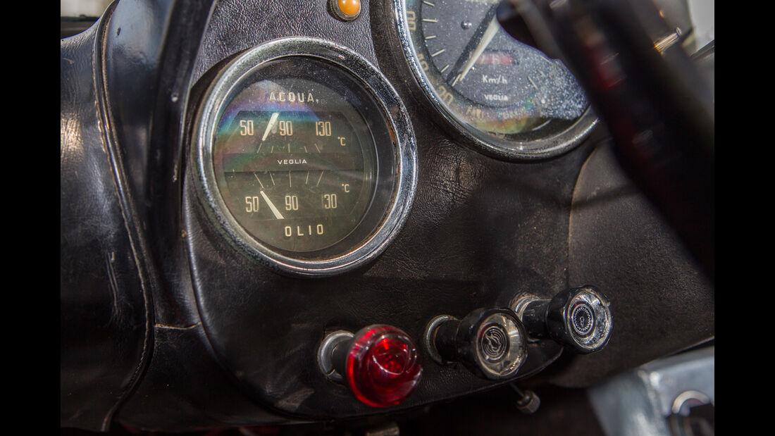Alfa Romeo 2600 Spider, Anzeigeinstrumente