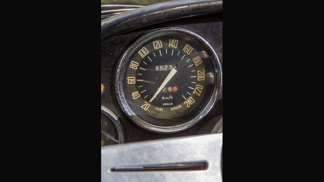 Alfa Romeo 2600 Spider, Tacho