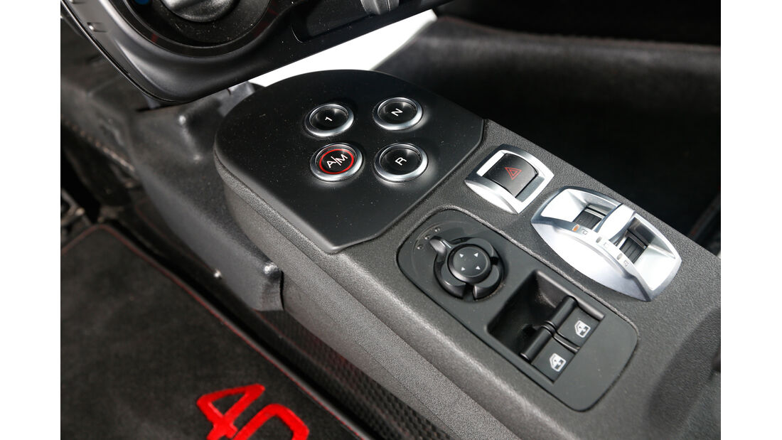 Alfa Romeo 4C, Bedienelemente