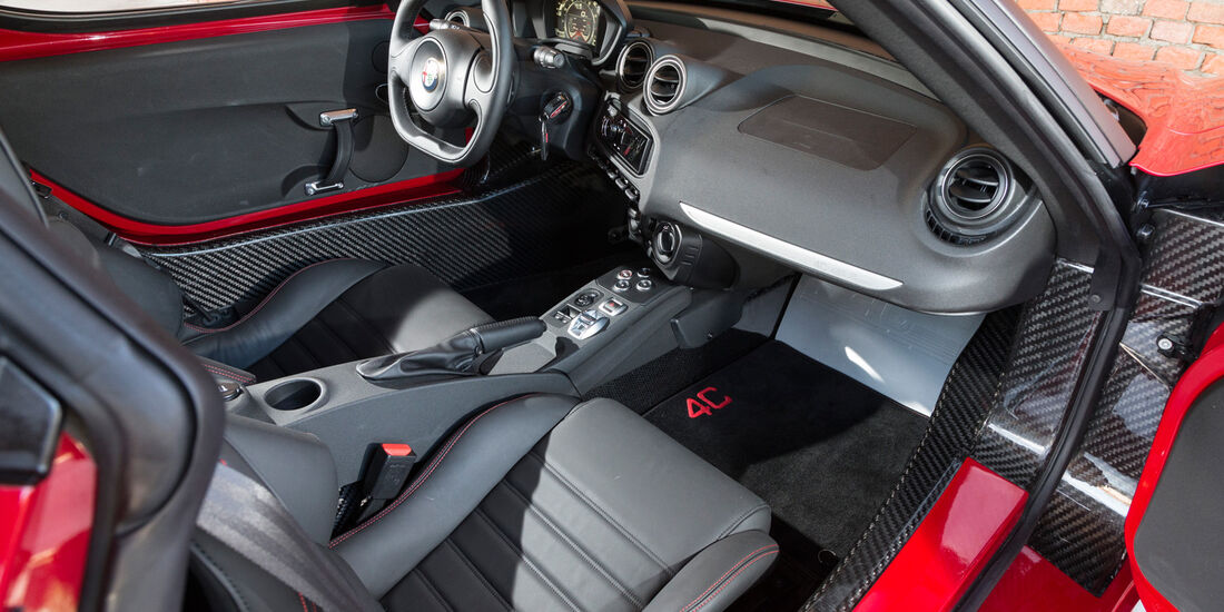 Alfa Romeo 4C, Cockpit