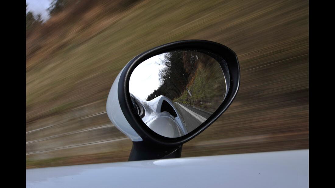 Alfa Romeo 4C, Seitenspiegel