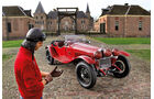 Alfa Romeo 6C 1750 GS vor Schloss
