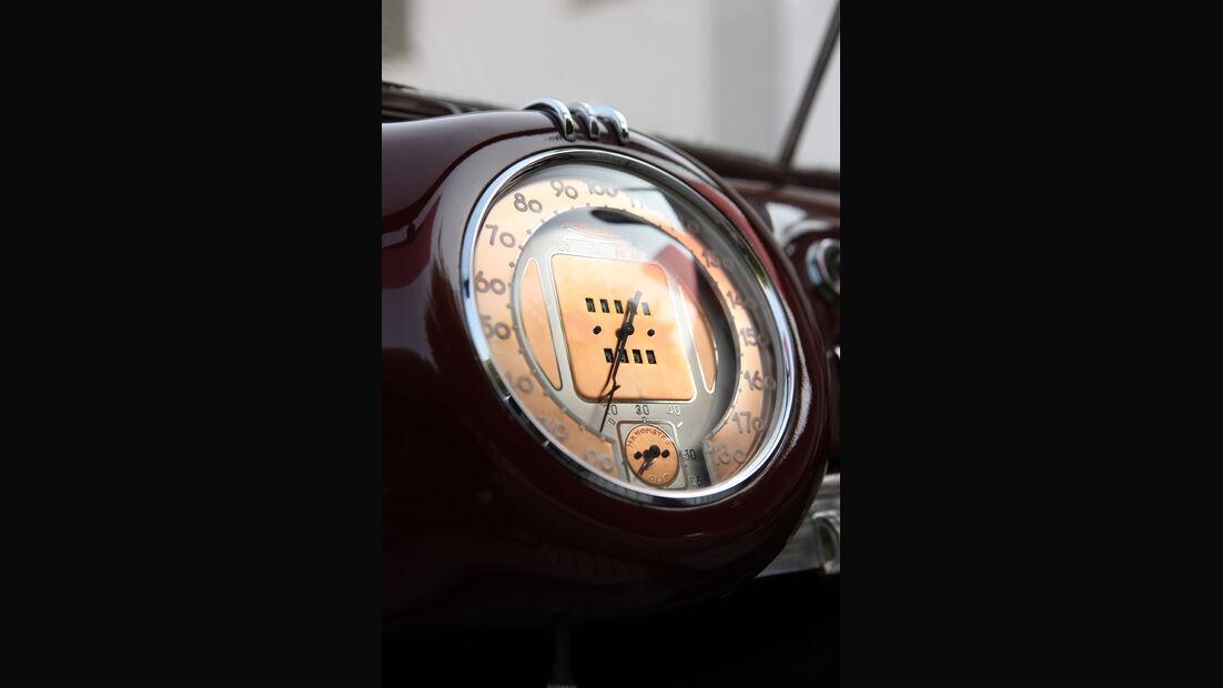 Alfa Romeo 6C 2500 C Cabriolet Stabilimenti Farina Tacho