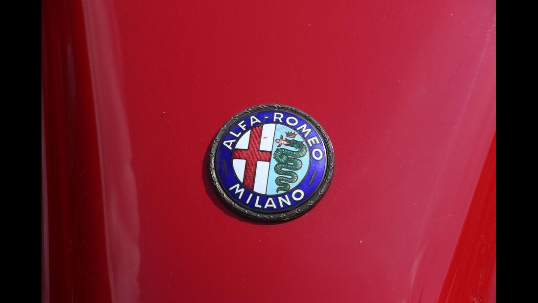 Alfa Romeo 750 Competizione, Emblem