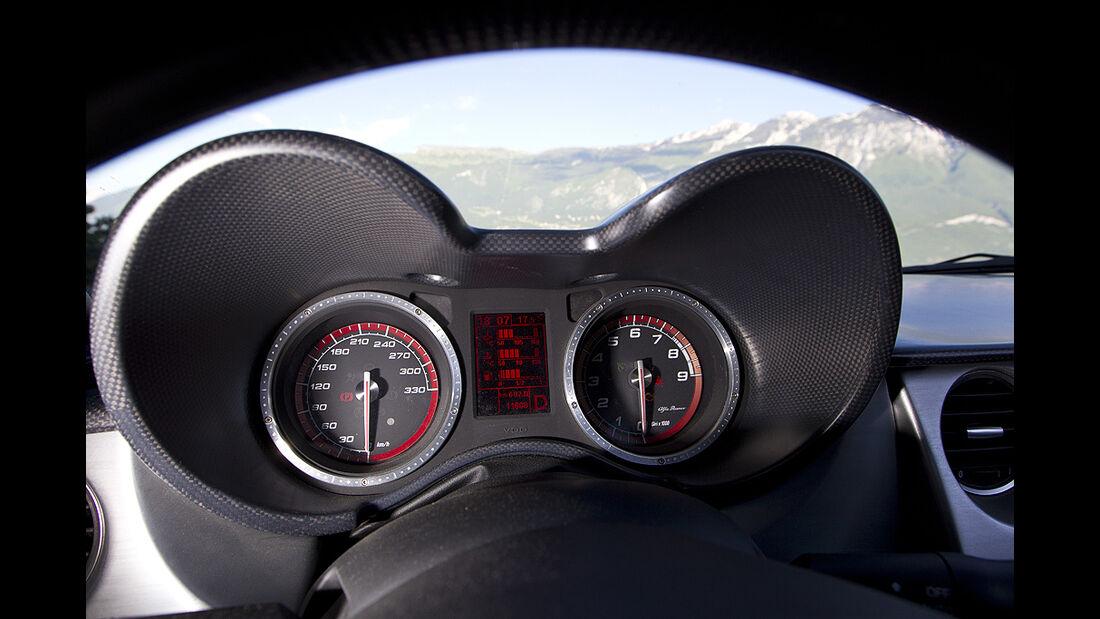 Alfa Romeo 8C Spider, Cockpit, Tacho