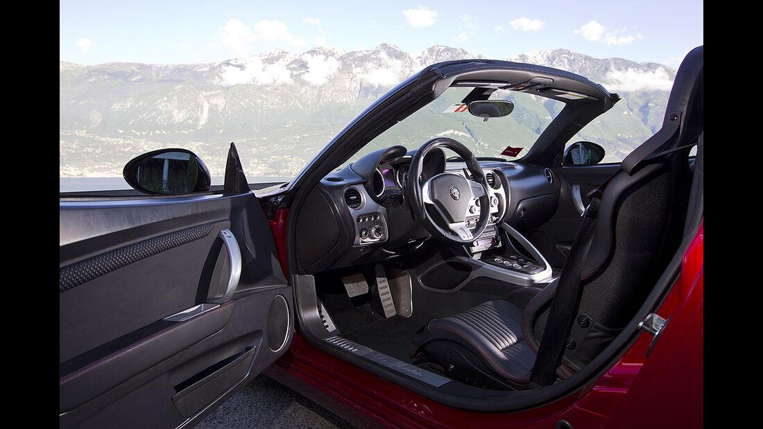 Alfa Romeo 8C Spider, Innenraum