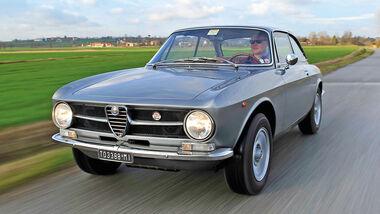 Alfa Romeo GT 1300 Junior (Bertone)