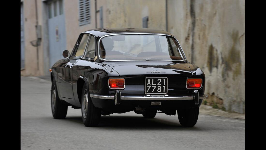 Alfa Romeo GTV 1750/2000, Heckansicht