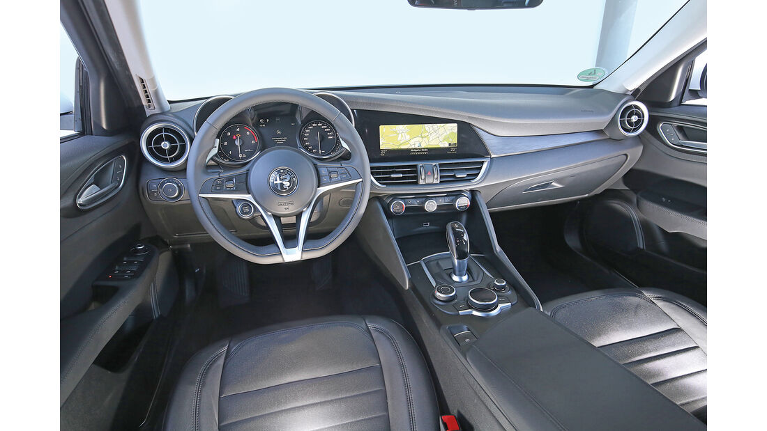 Alfa Romeo Giulia 2.2 D, Cockpit