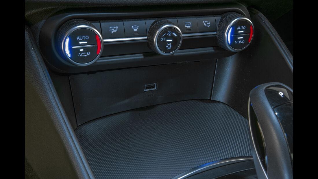 Alfa Romeo Giulia 2.2 Diesel, Bedienelemente