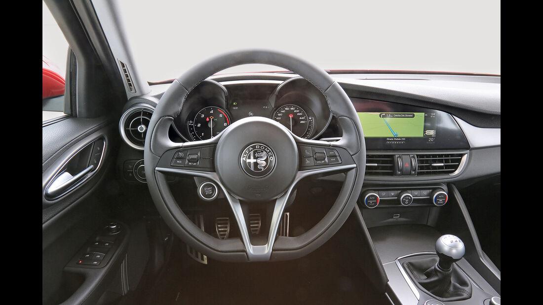 Alfa Romeo Giulia, Cockpit
