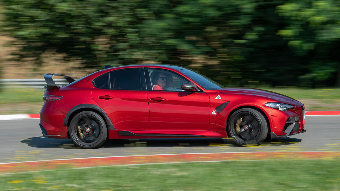 Alfa Romeo Giulia GTAm, alt und neu im Vergleich