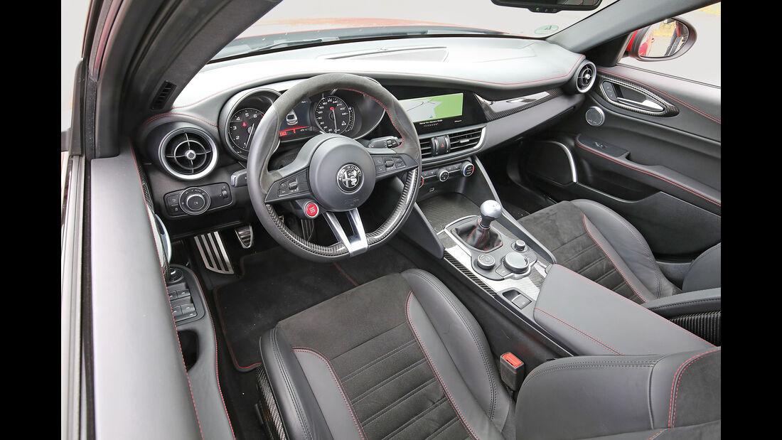 Alfa Romeo Giulia QV, Cockpit