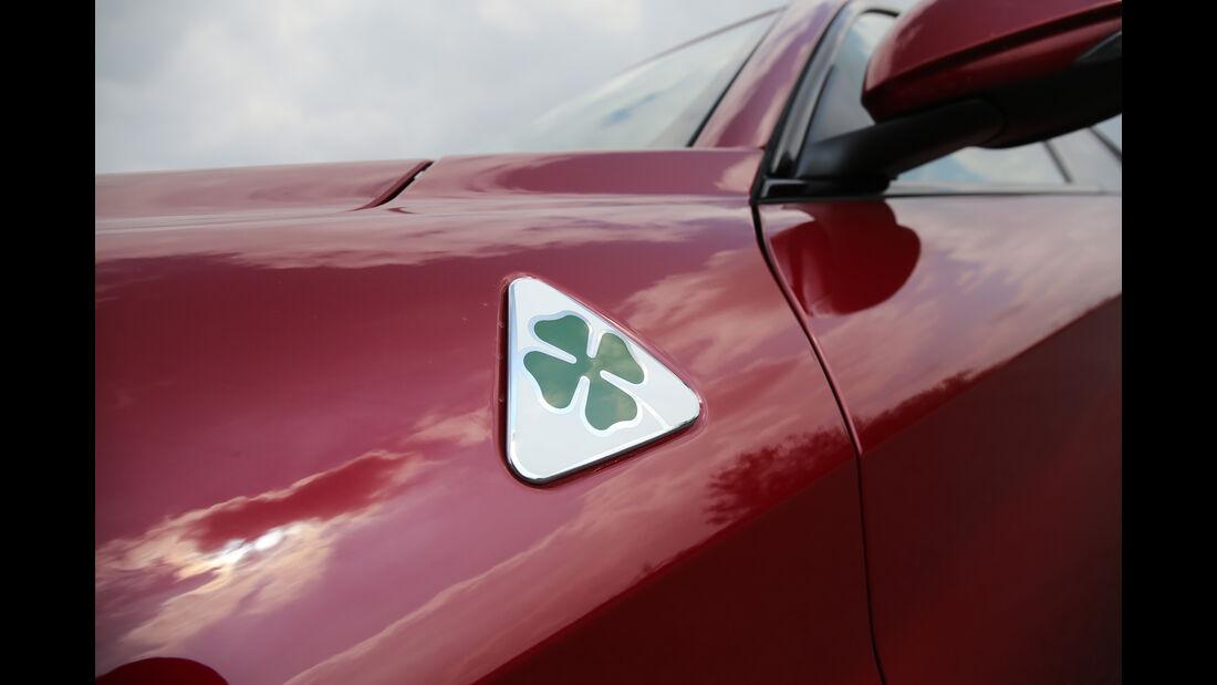 Alfa Romeo Giulia QV, Emblem