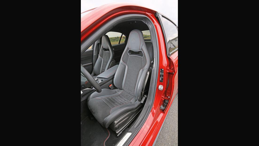 Alfa Romeo Giulia QV, Fahrersitz