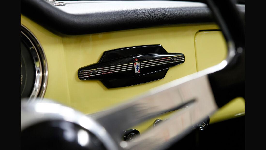 Alfa Romeo Giulia Spider, Detail, Emblem