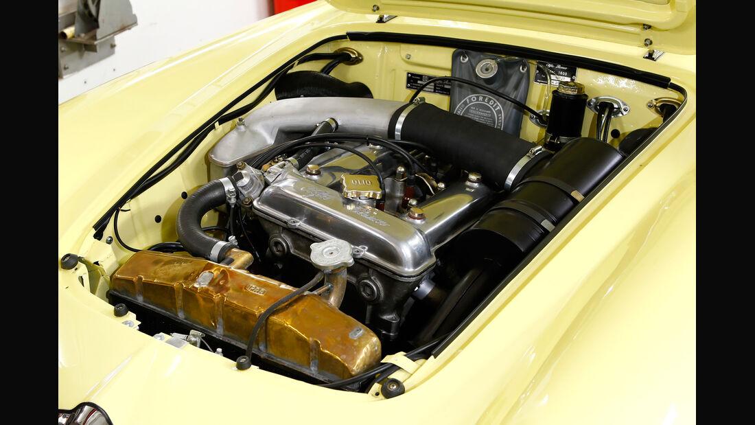 Alfa Romeo Giulia Spider, Motor