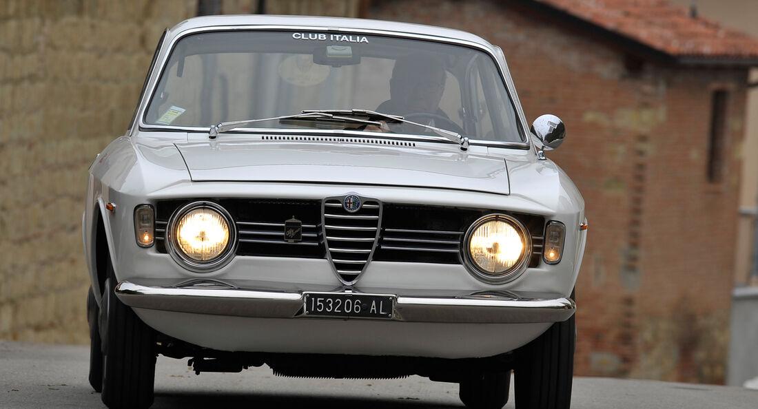 Alfa Romeo Giulia Sprint GT, Frontansicht