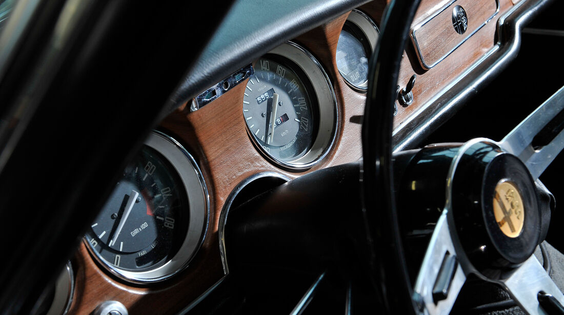 Alfa Romeo Giulia Sprint GT, Rundinstrumente