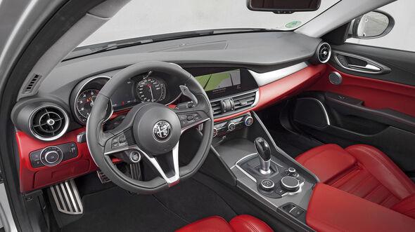 Alfa Romeo Giulia Veloce, Interieur