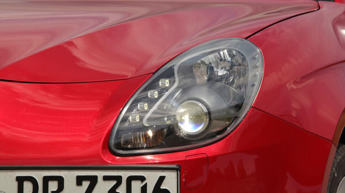 Alfa Romeo Giulietta 1.4 TB 16V, Frontscheinwerfer, Detail