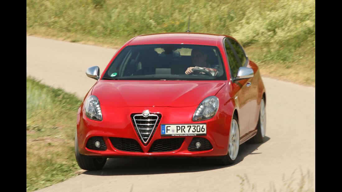 Alfa Romeo Giulietta 1.4 TB 16V, Seitenansicht, schräg