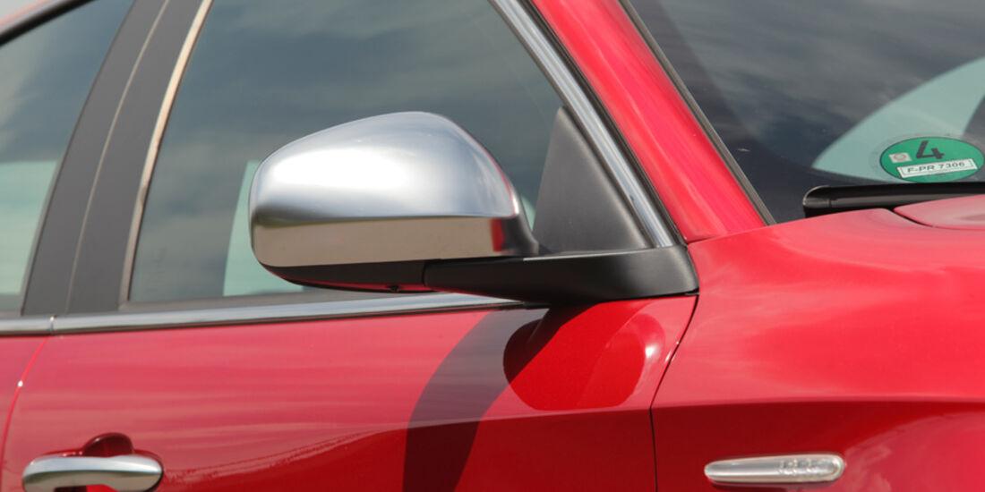 Alfa Romeo Giulietta 1.4 TB 16V, Seitenspiegel, Seitenlinie