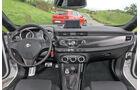 Alfa Romeo Giulietta 2.0 JTDM, Cockpit