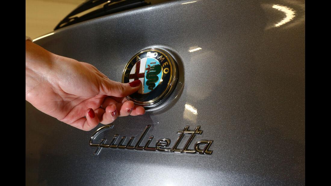 Alfa Romeo Giulietta, Heck, Emblem