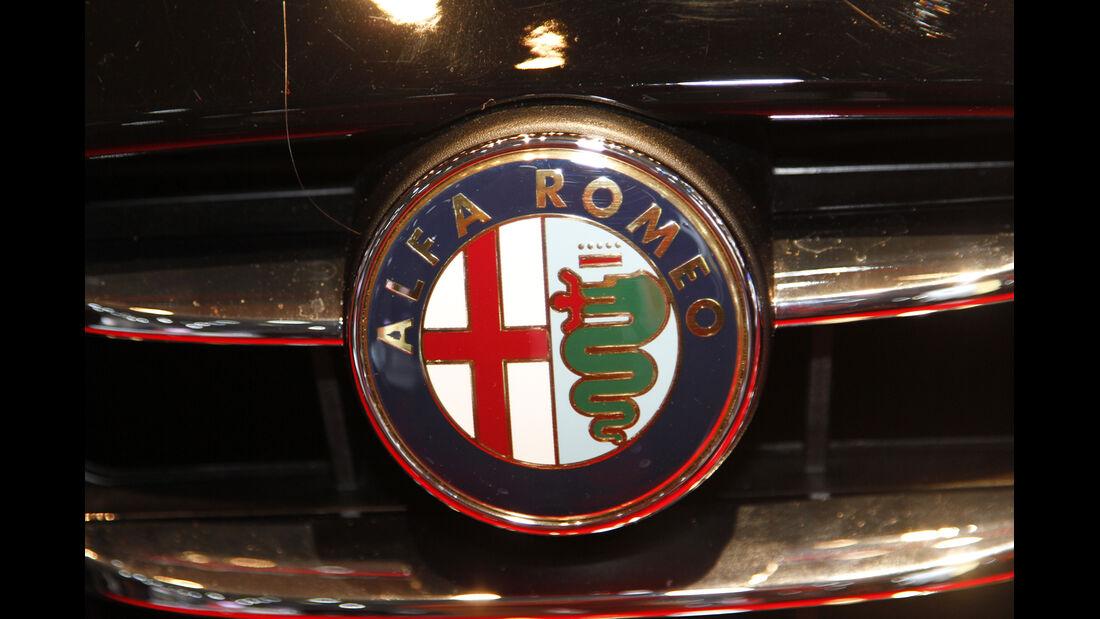 Alfa Romeo Logo, Messe, Autosalon Paris 2012