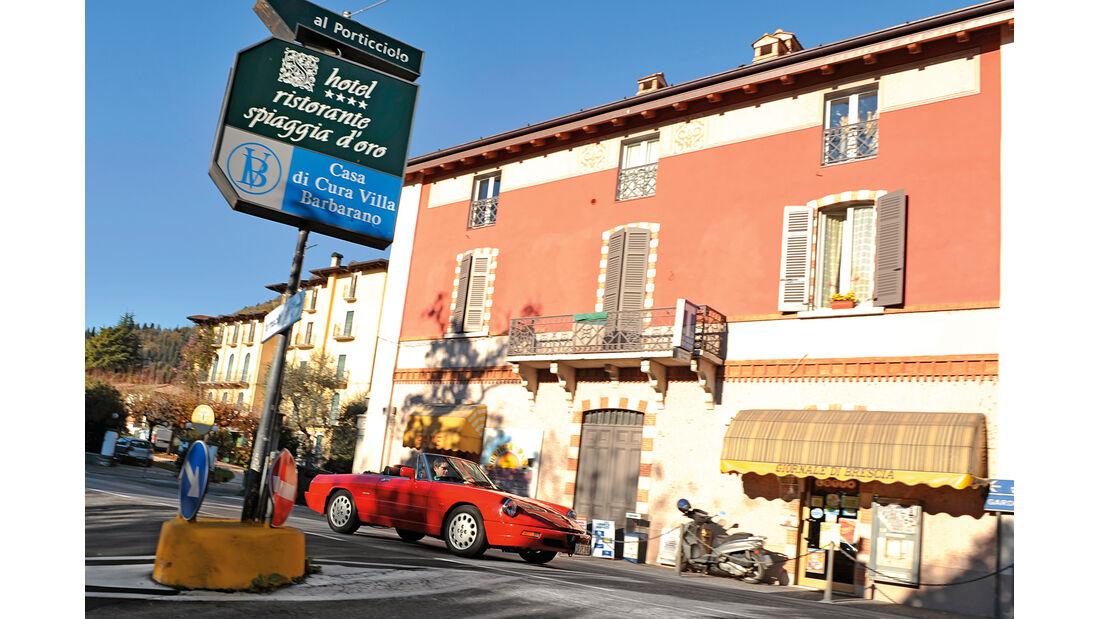 Alfa Romeo Spider 2.0, Cafe