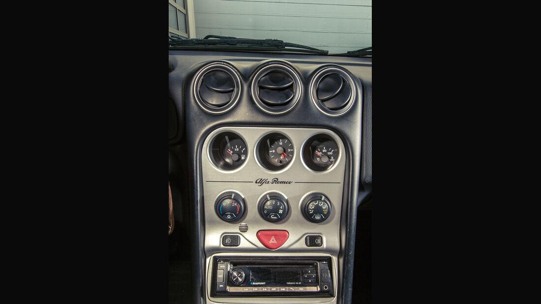 Alfa Romeo Spider 2.0 TS, Mittelkonsole