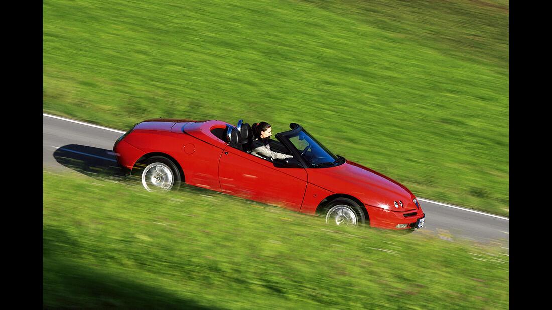 Alfa Romeo Spider 916, Seitenansicht