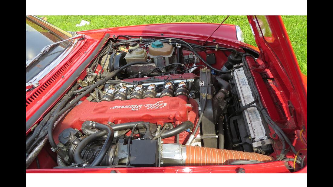 Alfa Romeo Spider V12