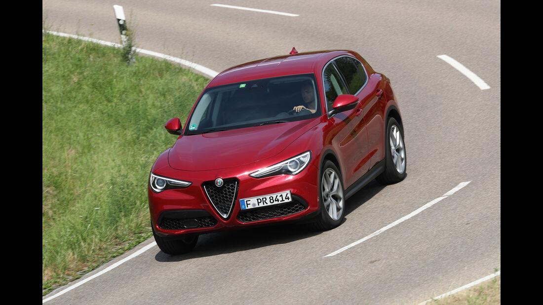 Alfa Romeo Stelvio 2.0 Turbo Q4 Front