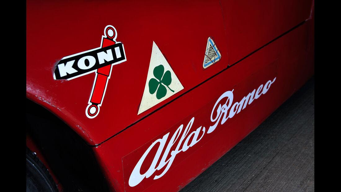 Alfa Romeo T33/3, Aufdrucke, Detail
