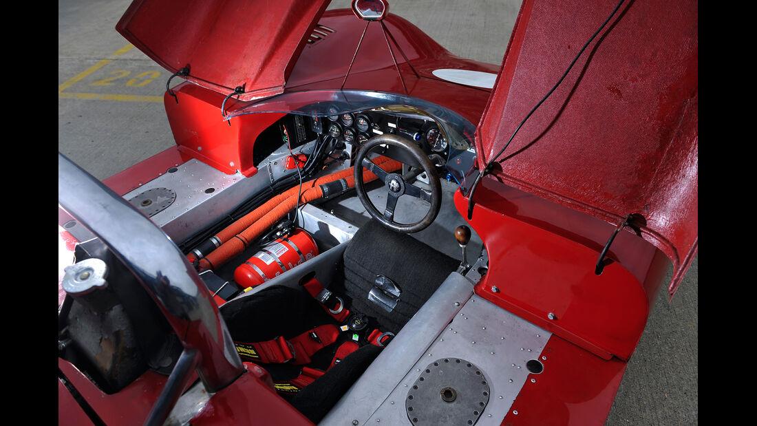 Alfa Romeo T33/3, Cockpit