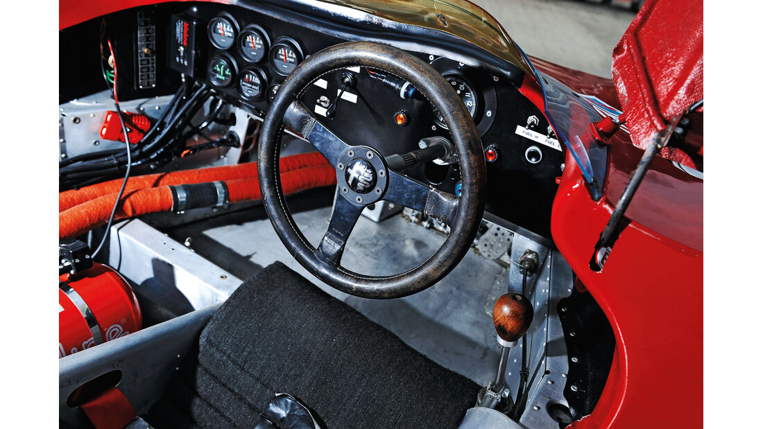 Alfa Romeo T33/3, Cockpit, Lenkrad