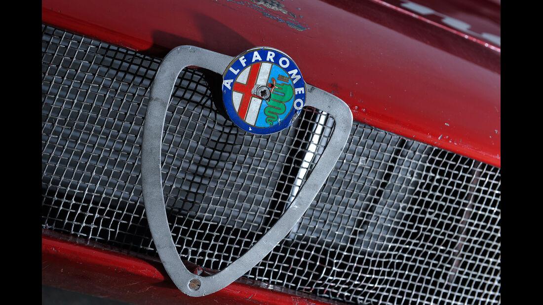 Alfa Romeo T33/3, Emblem, Kühlergrill