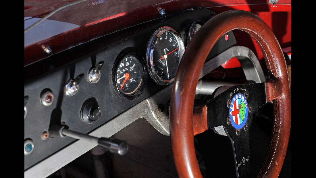 Alfa Romeo T33/TT/12, Rundinstrumente, Lenkrad